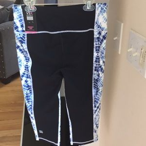 Victoria's Secret VSX sport knockout crop capris